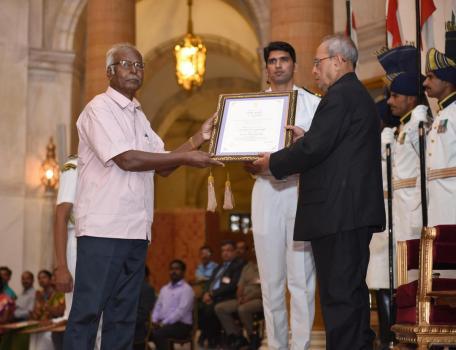 Dr. A. Dakshinamurthy_Tolkappiyar Award(2015)